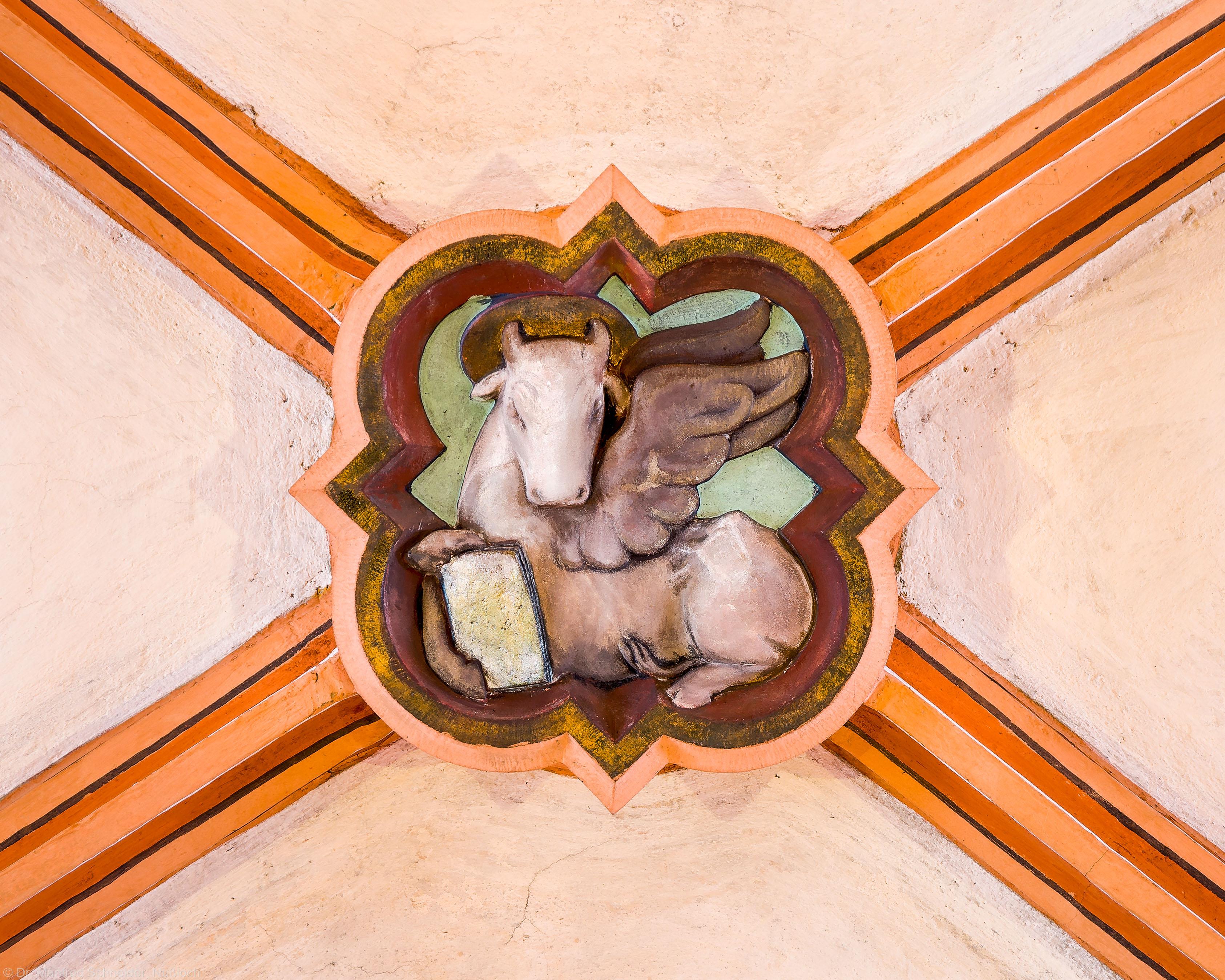 Heidelberg - Heiliggeistkirche - Mittelschiff - 2. Schlußstein, von Westen aus gezählt (aufgenommen im Januar 2013, am frühen Nachmittag)