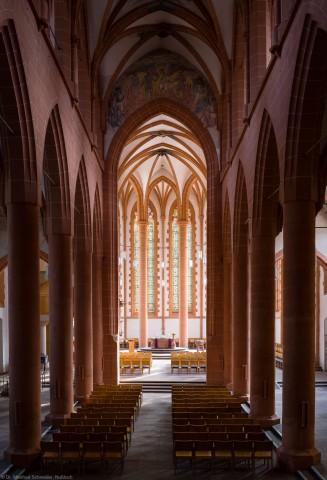 Heidelberg - Heiliggeistkirche - Mittelschiff - Blick durch das Mittelschiff auf den Chor (aufgenommen im März 2013, am Vormittag)
