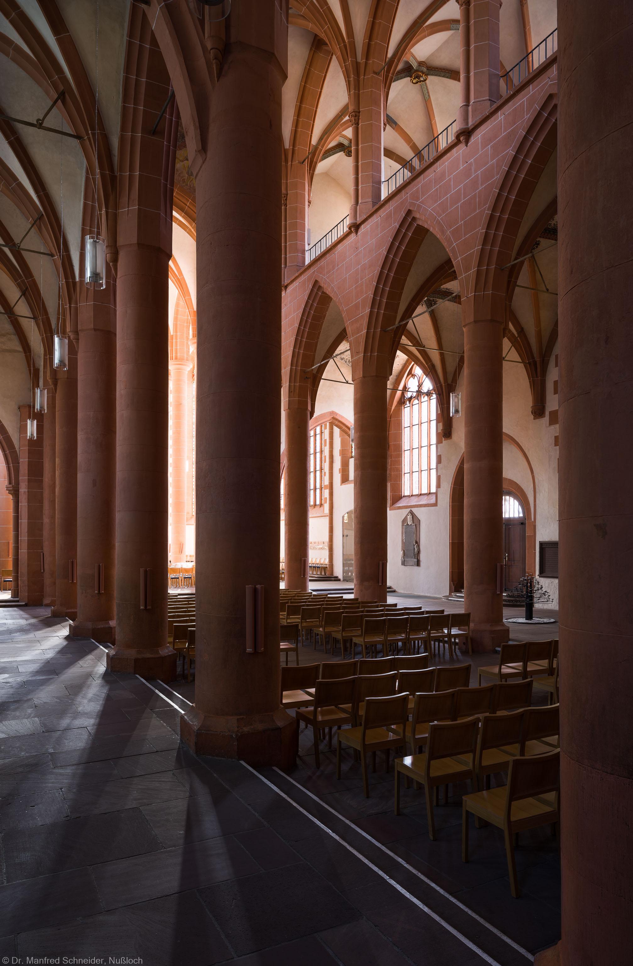 Heidelberg - Heiliggeistkirche - Nordschiff - Blick von Nordwesten in die Schiffe und auf die Südempore (aufgenommen im April 2013, am Vormittag)