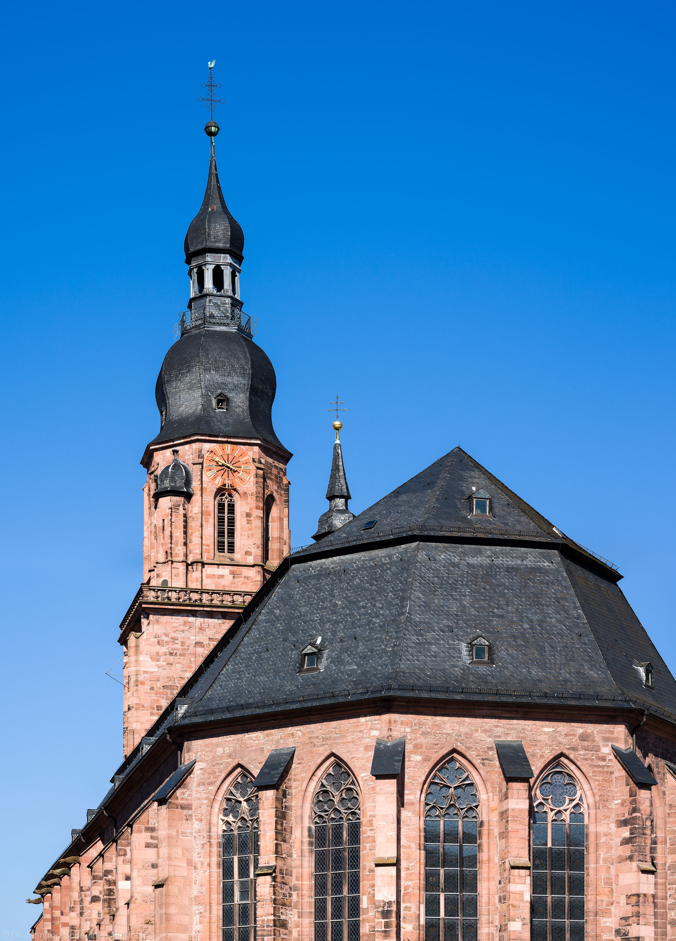Heidelberg - Heiliggeistkirche - Ostseite - Blick nach oben auf den Chor und den Turm (aufgenommen im Mai 2013, am Vormittag)
