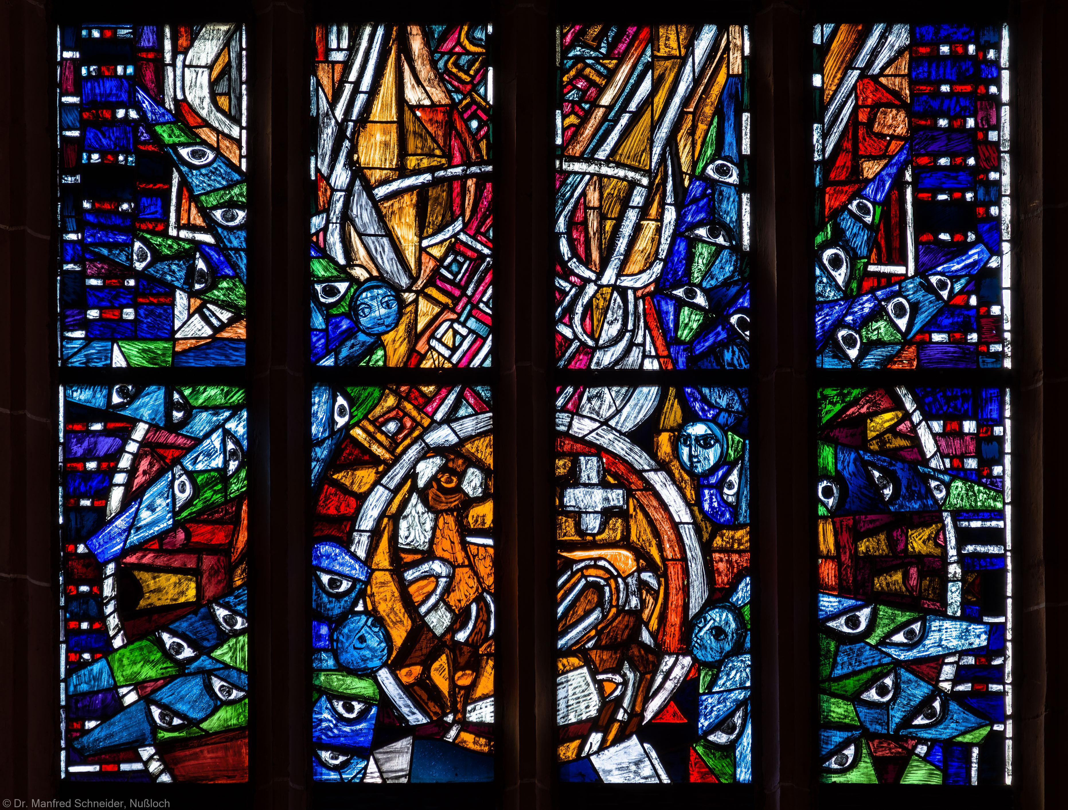 """Heidelberg - Heiliggeistkirche - Westempore - Obere Hälfte (ohne Maßwerk) des """"Offenbarungsfensters"""" von Hans Gottfried von Stockhausen (aufgenommen im Juli 2013, am späten Nachmittag)"""