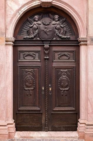 Heidelberg - Heiliggeistkirche - Südseite - Östliches Südportal - Blick auf einen Ausschnitt des Portals (aufgenommen im November 2013, am späten Vormittag)