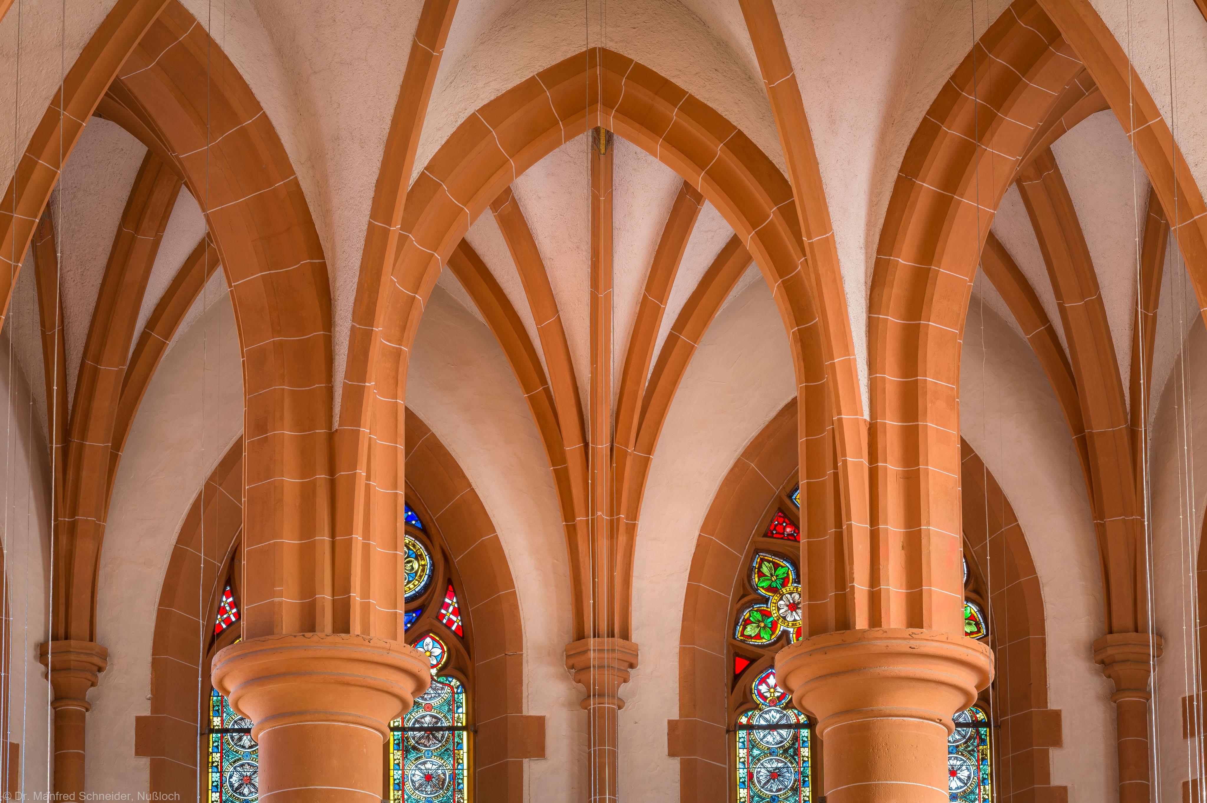 Heidelberg - Heiliggeistkirche - Chor - Blick von der Westempore in das Gewölbe des Chors (aufgenommen im Dezember 2013, am frühen Nachmittag)