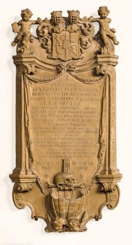 """Heidelberg - Heiliggeistkirche - Nordschiff - Epitaph (""""Johann Christoph Sebastian von Hegele""""), an Wand des nördlichen Seitenschiffs, im Osten (aufgenommen im Januar 2014, am Vormittag)"""