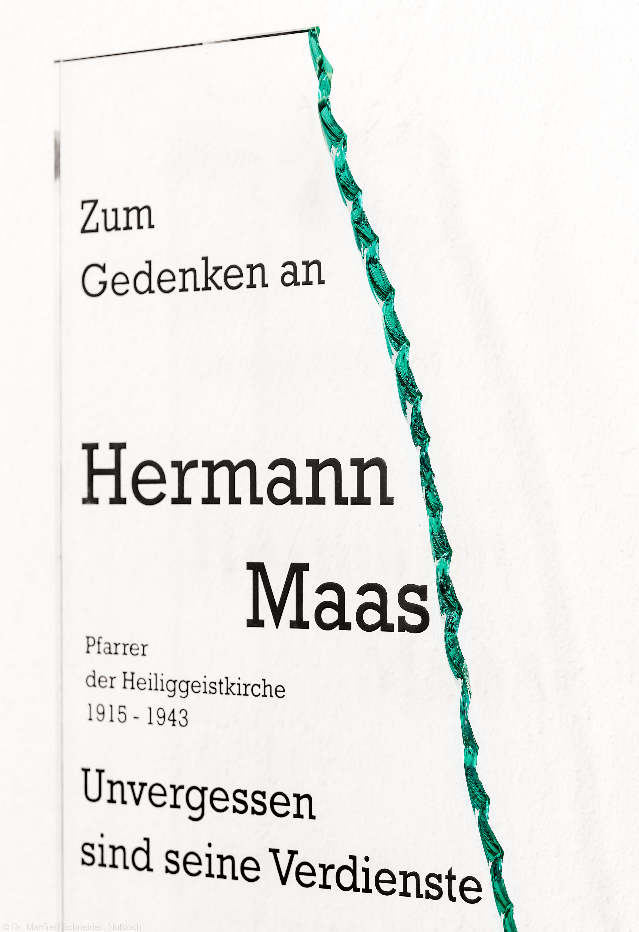 Heidelberg - Heiliggeistkirche - Südschiff/Chor - Gedenktafel für Hermann Maas, an der Südwand, in Höhe der ehemaligen Scheidewand (aufgenommen im Januar 2014, am frühen Nachmittag)