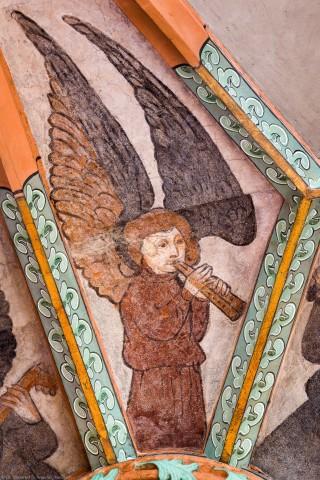 """Heidelberg - Heiliggeistkirche - Mittelschiff - Engel (Position 5 Uhr) aus der Gewölbemalerei """"Engelskonzert"""" (aufgenommen im Februar 2014, am Nachmittag)"""