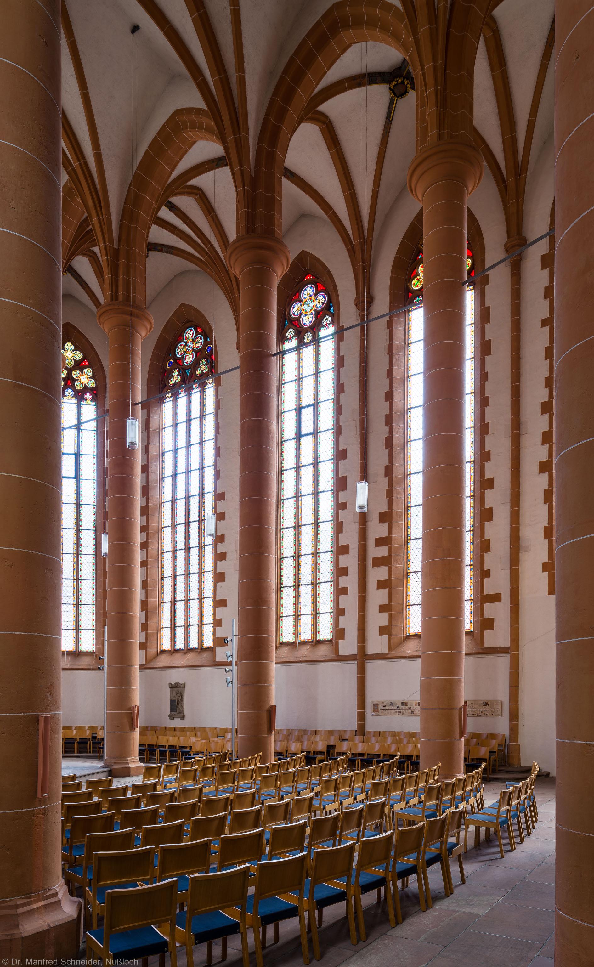 Heidelberg - Heiliggeistkirche - Chor - Blick in den Chor nach Südosten mit Säulen und Gewölbe (aufgenommen im Februar 2014, am späten Nachmittag)