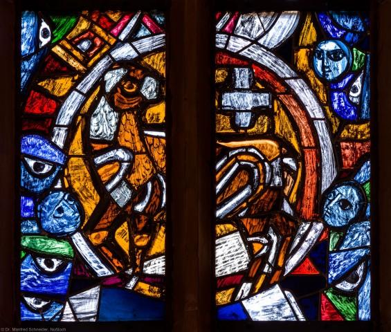 """Heidelberg - Heiliggeistkirche - Westempore - Ausschnitt aus dem """"Offenbarungsfenster"""" von Hans Gottfried von Stockhausen (aufgenommen im April 2014, am späten Vormittag)"""
