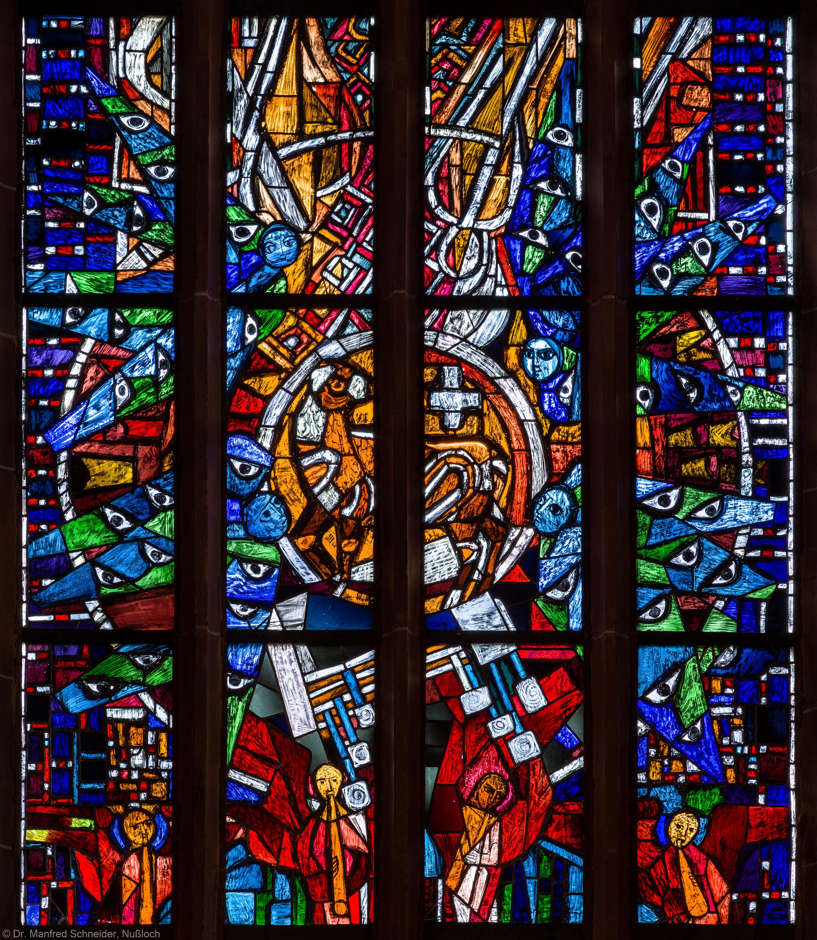 """Heidelberg - Heiliggeistkirche - Westempore - Mittleres Drittel des """"Offenbarungsfensters"""" von Hans Gottfried von Stockhausen (aufgenommen im Mai 2014, am frühen Nachmittag)"""