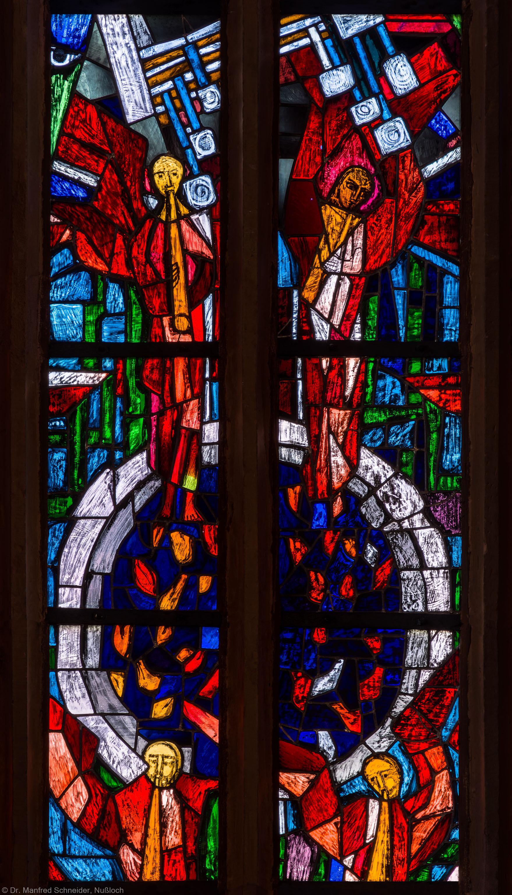 """Heidelberg - Heiliggeistkirche - Westempore - Ausschnitt aus dem """"Offenbarungsfenster"""" von Hans Gottfried von Stockhausen (aufgenommen im Mai 2014, am späten Vormittag)"""