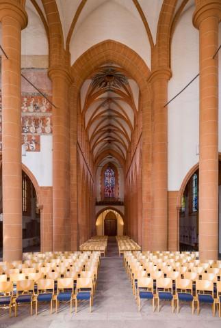 Heidelberg - Heiliggeistkirche - Chor - Blick vom Altar auf den Chor, den Triumphbogen und das Mittelschiff (aufgenommen im Mai 2014, am späten Vormittag)