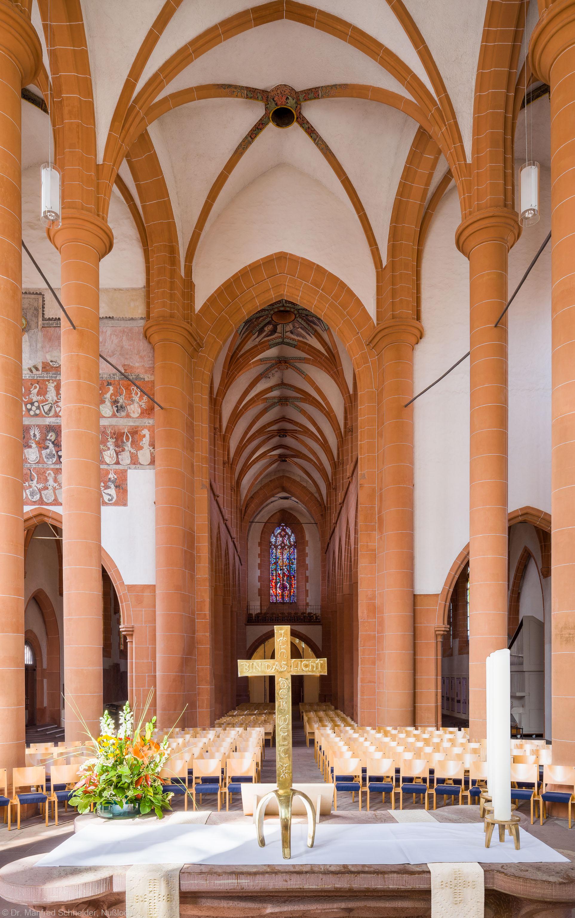 Heidelberg - Heiliggeistkirche - Chor - Blick vom Altar nach Westen auf den Chor, den Triumphbogen und die Schiffe (aufgenommen im Mai 2014, am späten Vormittag)