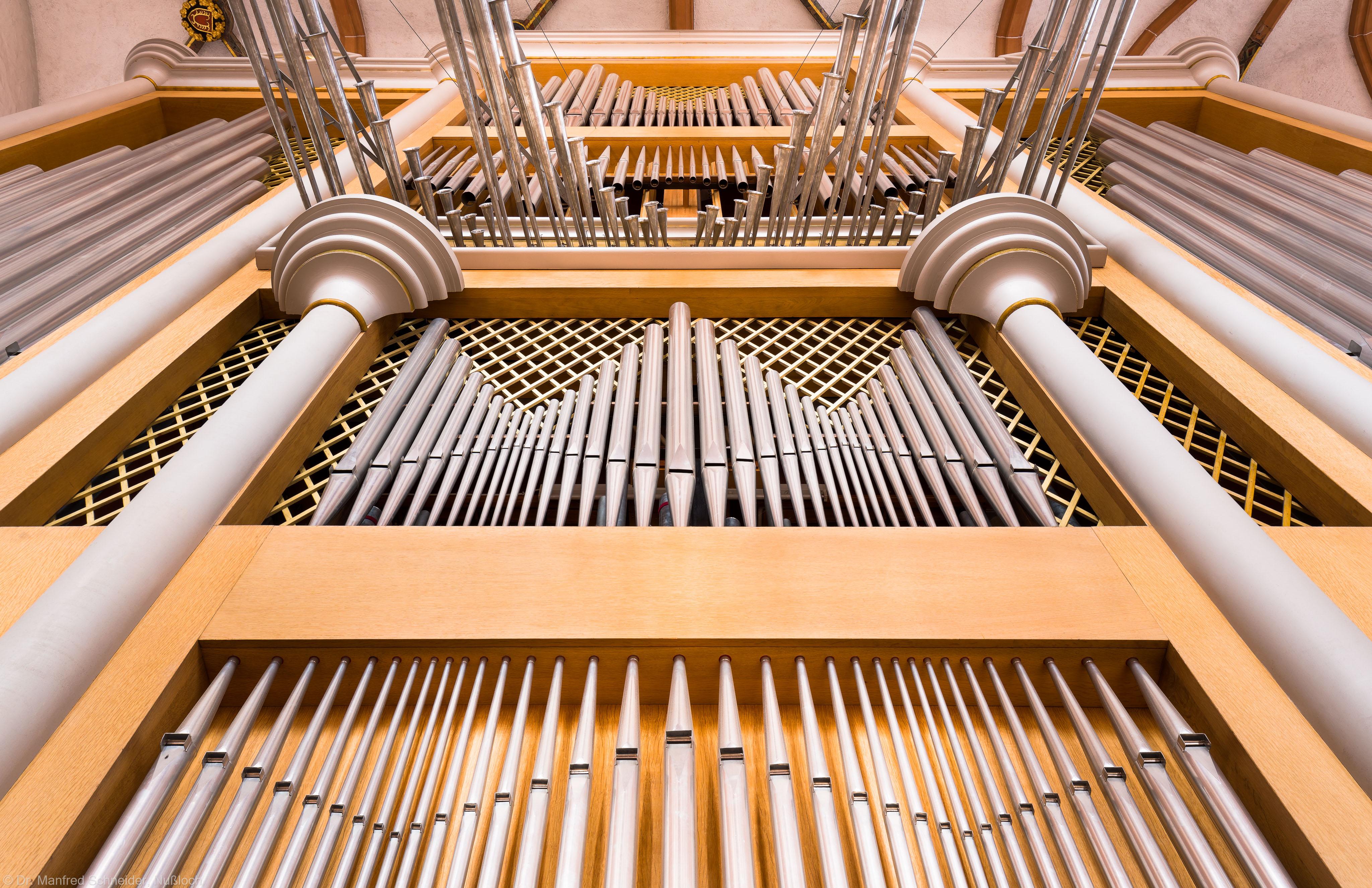 Heidelberg - Heiliggeistkirche - Chor - Hauptorgel - Blick von unten auf die Chororgel, erbaut von Steinmeyer 1980 bis 1993 (aufgenommen im September 2014, am Nachmittag)