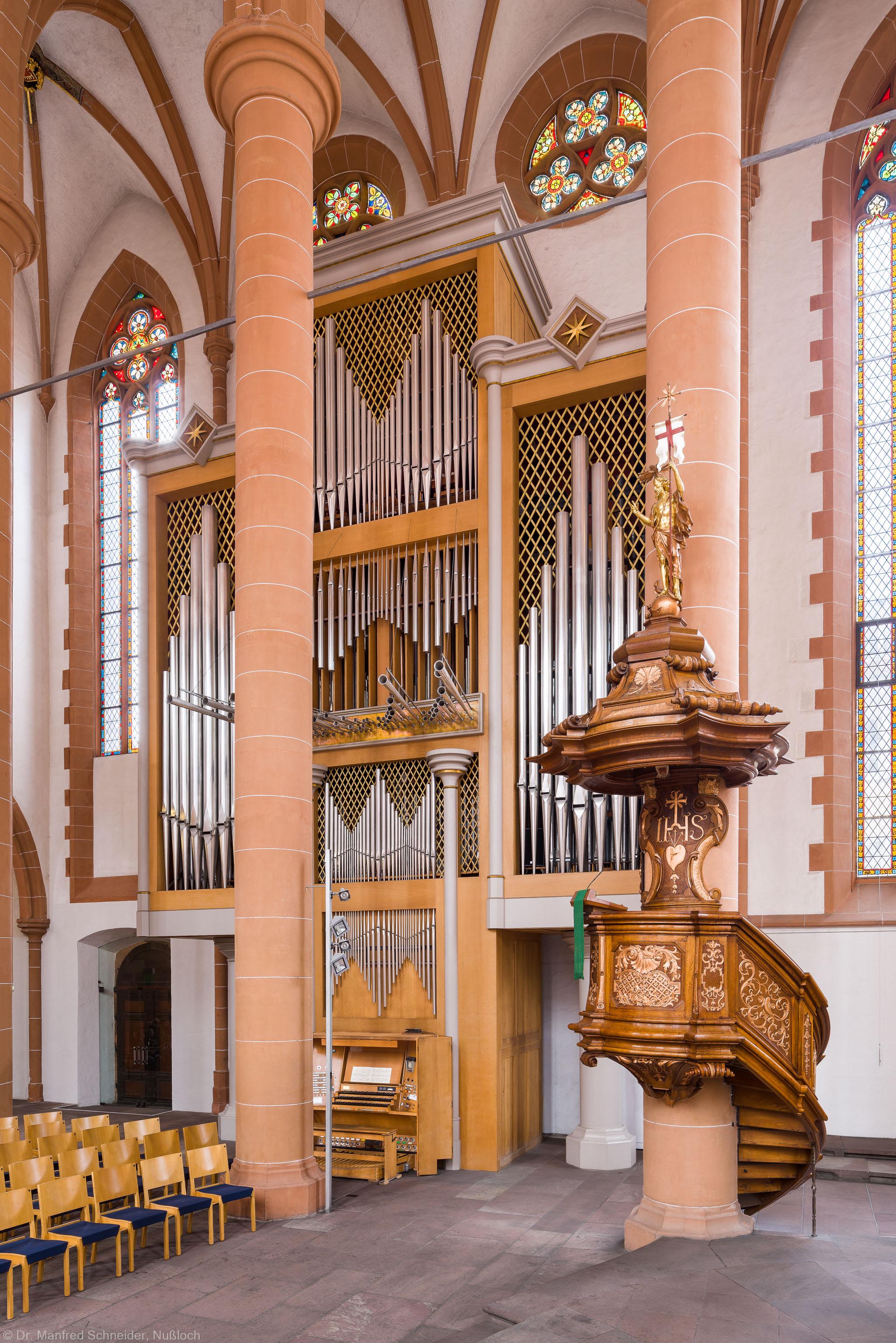 Heidelberg - Heiliggeistkirche - Chor - Hauptorgel - Blick vom Altar auf die Kanzel und die Chororgel, erbaut von Steinmeyer 1980 bis 1993 (aufgenommen im Oktober 2014, am Nachmittag)