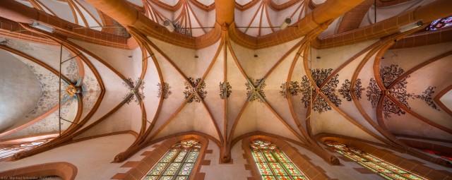 Heidelberg - Heiliggeistkirche - Südliches Seitenschiff - Gesamtansicht des Gewölbes, vom Zentrum des Seitenschiffs aus gesehen (aufgenommen im Mai 2015, am Nachmittag)