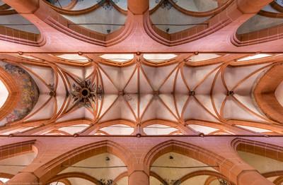 Heidelberg - Heiliggeistkirche - Mittelschiff - Gesamtansicht des Gewölbes, vom Zentrum des Mittelschiffs aus gesehen (aufgenommen im Mai 2015, am Nachmittag)