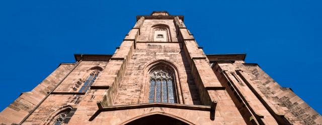 Heidelberg - Heiliggeistkirche - Aussen / West - Blick nach oben auf das Westwerk und den Turm (aufgenommen im Mai 2015, am späten Nachmittag)