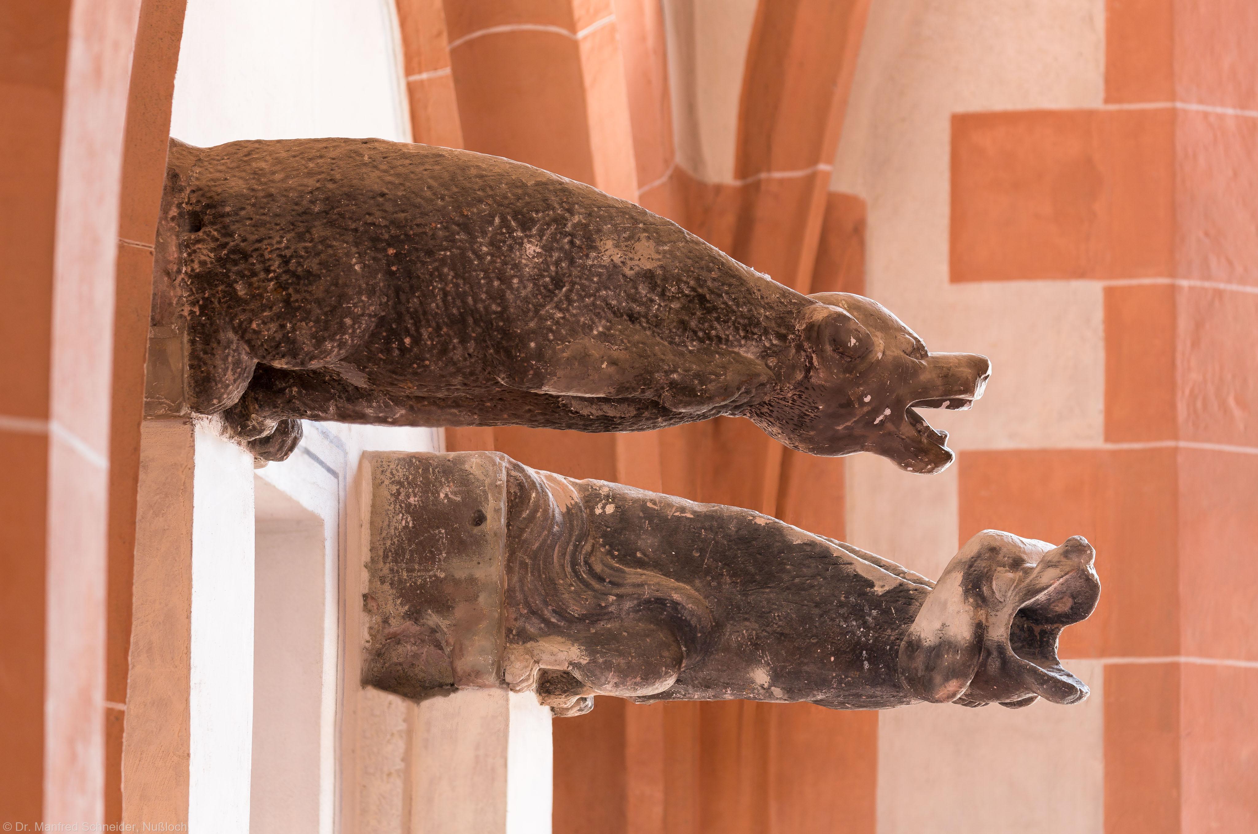 Heidelberg - Heiliggeistkirche - Nordempore - 2 Wasserspeier, im Eingangsbereich an der Westwand der Nordempore (aufgenommen im Mai 2015, am Nachmittag)