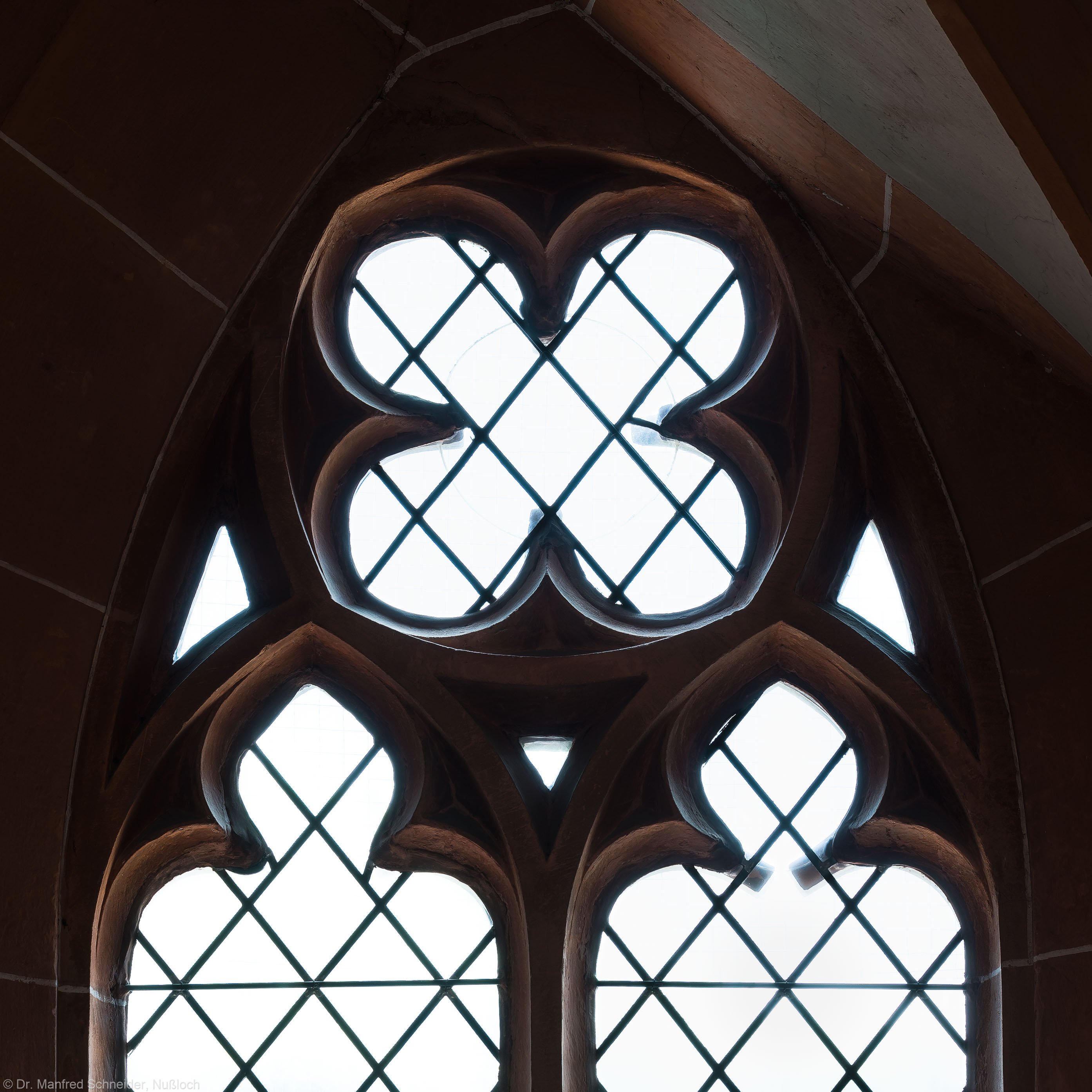 Heidelberg - Heiliggeistkirche - Nordempore - 2. Joch, von Westen aus gezählt - Fenstermaßwerk (aufgenommen im Mai 2015, am späten Nachmittag)