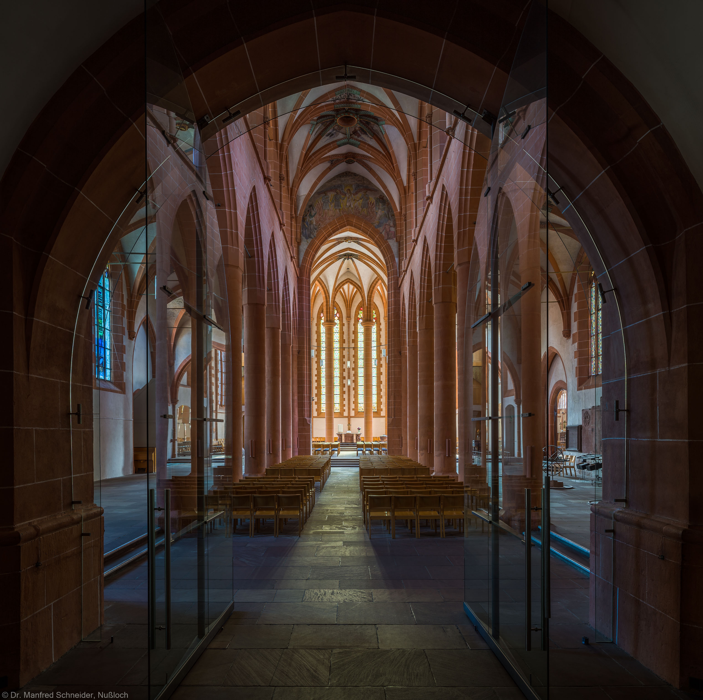 Heidelberg - Heiliggeistkirche - Mittelschiff - Blick von der Vorhalle in die Schiffe und den Chor (aufgenommen im Juni 2015, am Vormittag)