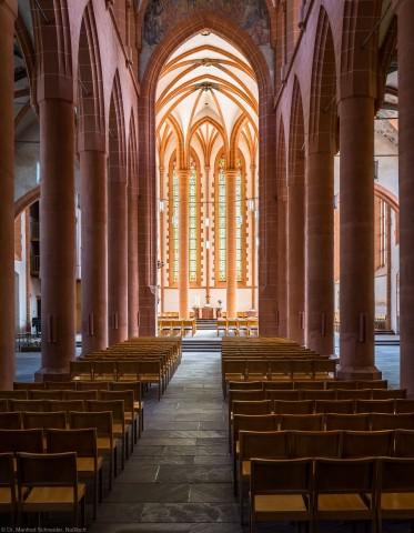 Heidelberg - Heiliggeistkirche - Mittelschiff - Blick durch das Mittelschiff auf den Chor (aufgenommen im Juni 2015, am Vormittag)