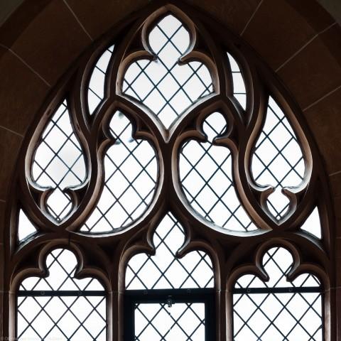 Heidelberg - Heiliggeistkirche - Westbau - Südemporenebene - Südwestseite - Fenstermaßwerk nach Süden (aufgenommen im Juni 2015, um die Mittagszeit)