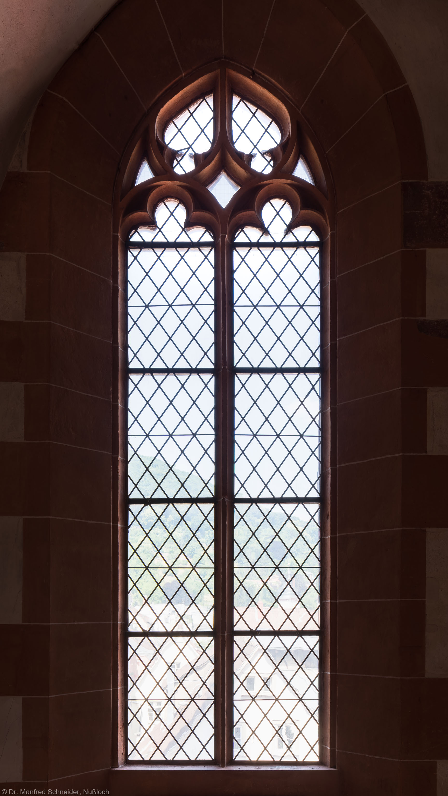 Heidelberg - Heiliggeistkirche - Nordempore - 1. Joch, von Westen aus gezählt - Fenster und Maßwerk (aufgenommen im Juni 2015, am frühen Nachmittag)