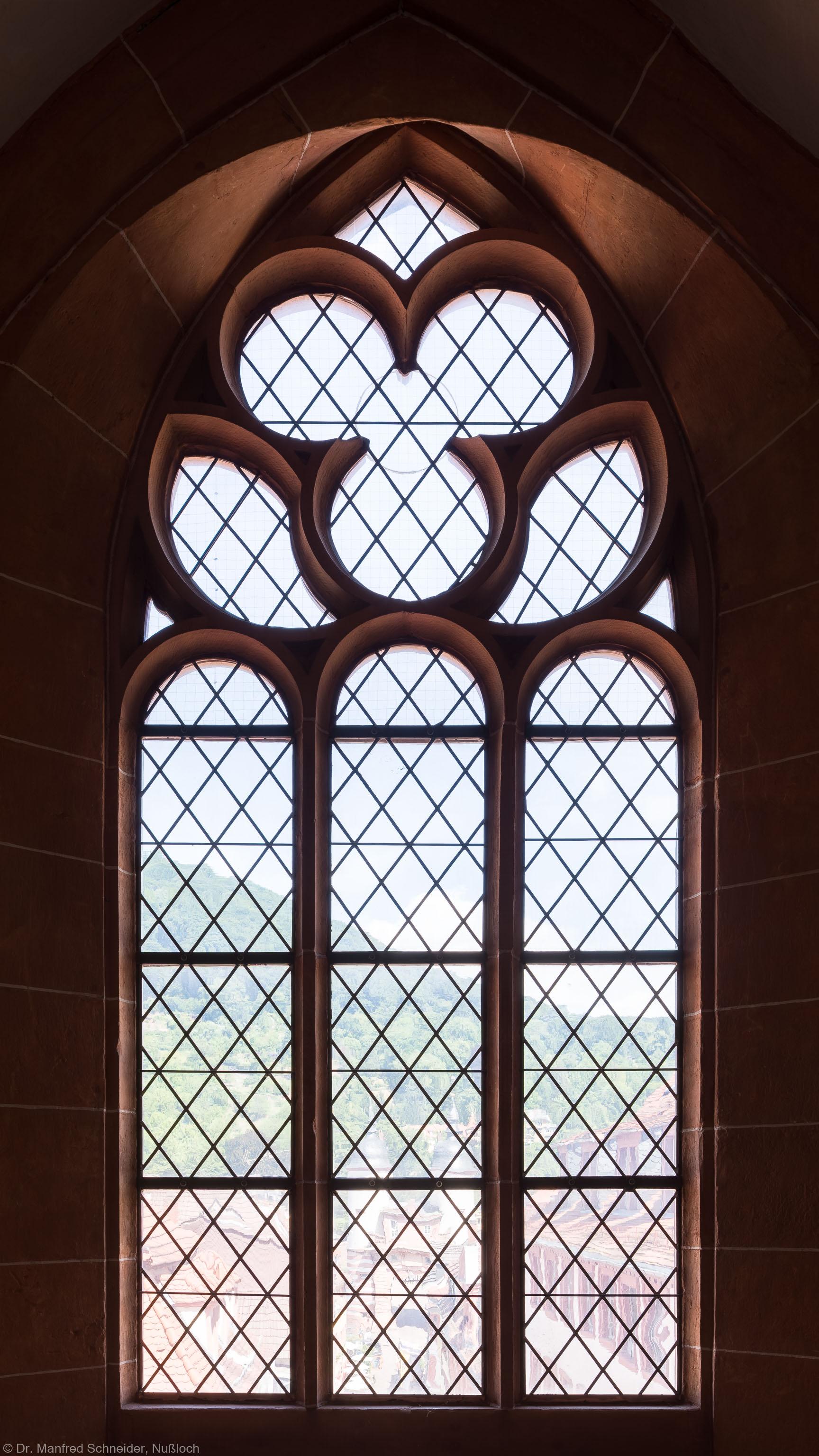 Heidelberg - Heiliggeistkirche - Nordempore - 5. Joch, von Westen aus gezählt - Fenster und Maßwerk (aufgenommen im Juli 2015, um die Mittagszeit)