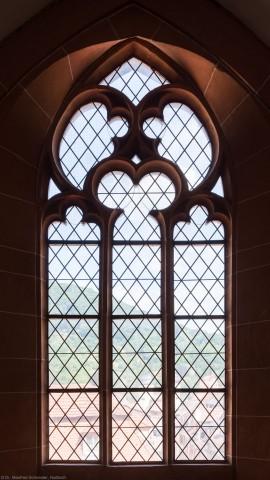 Heidelberg - Heiliggeistkirche - Nordempore - 4. Joch, von Westen aus gezählt - Fenster und Maßwerk (aufgenommen im Juli 2015, um die Mittagszeit)