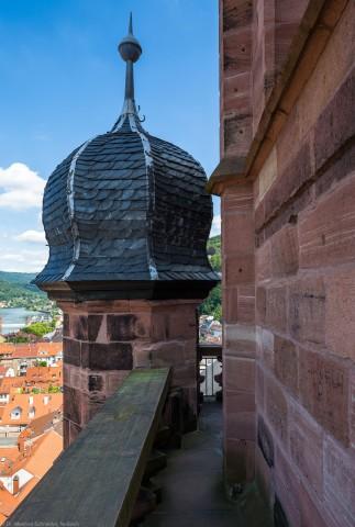 Heidelberg - Heiliggeistkirche - Turm - Blick von Westen auf den Turmaufgang mit der Zwiebelhaube (aufgenommen im Juli 2015, am Nachmittag)