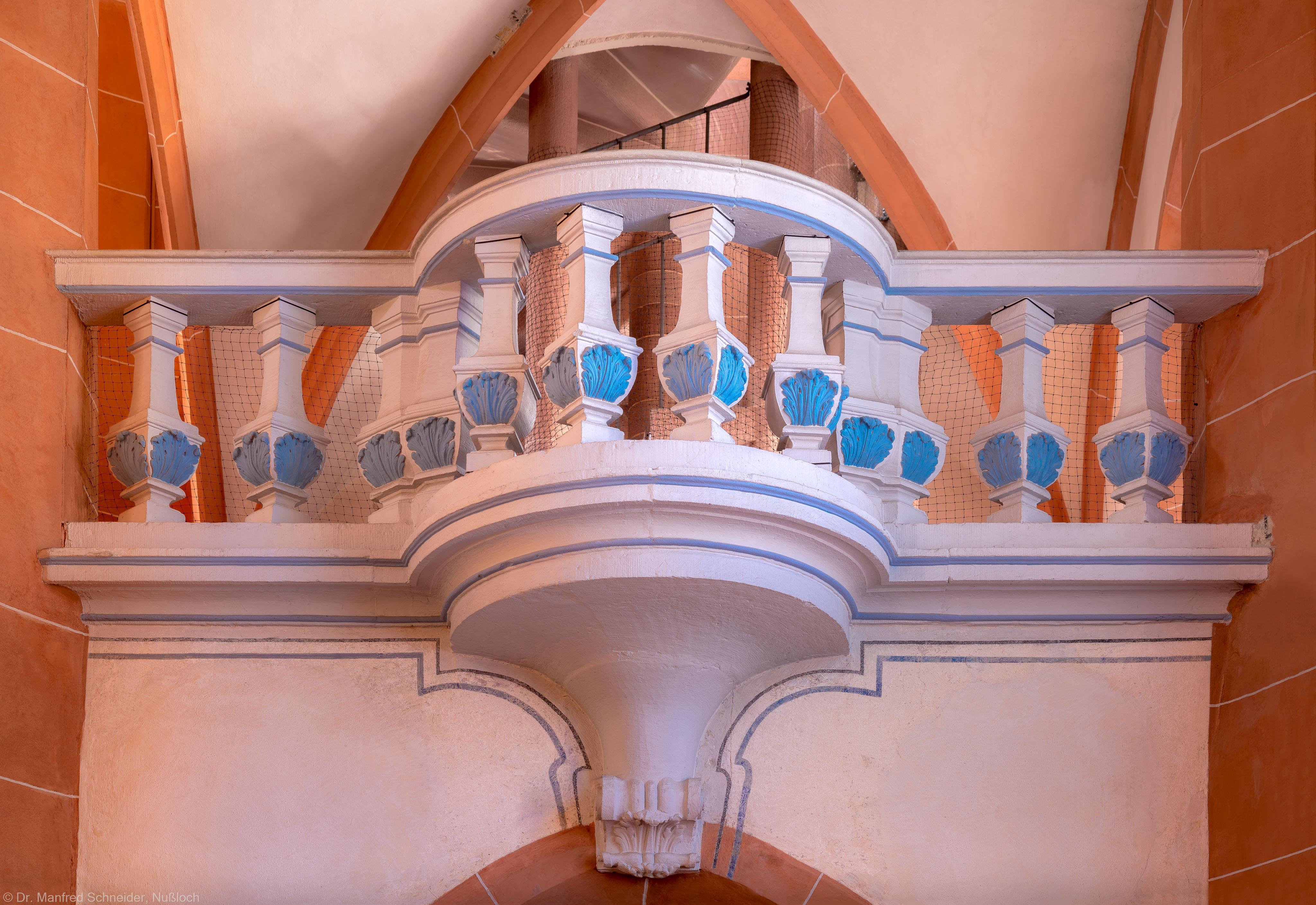 Heidelberg - Heiliggeistkirche - Westbau - Mittlere Zwischen-/Orgelempore - Nordseite - Blick vom Nordschiff auf den barocken Balkon (aufgenommen im Juli 2015, am frühen Nachmittag)