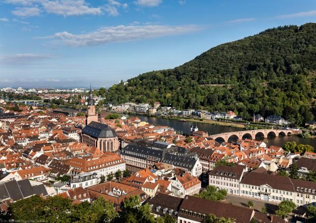 Heidelberg - Heiliggeistkirche - Südostseite - Blick vom Schloss auf Heidelberg und die Südostseite der Heiliggeistkirche (aufgenommen im August 2015, am Vormittag)
