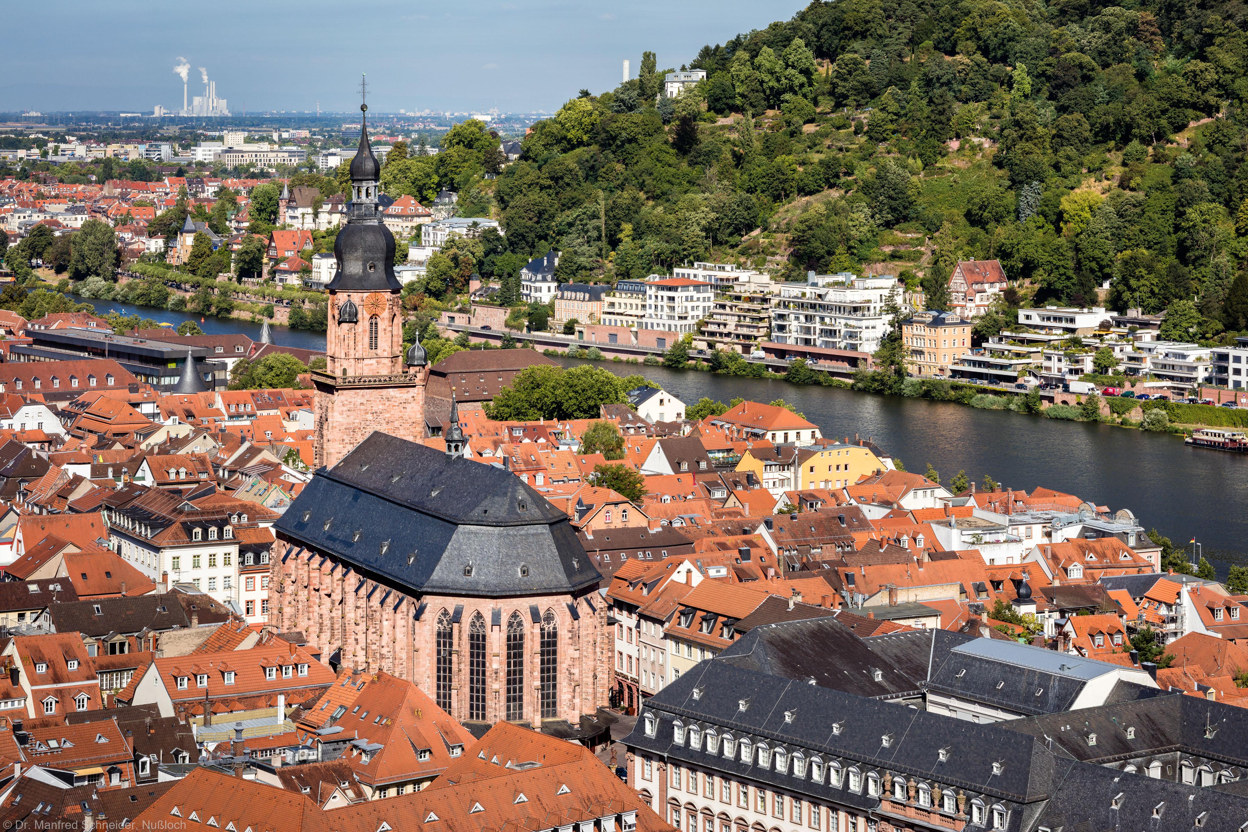 Heidelberg - Heiliggeistkirche - Südostseite - Blick vom Schloss auf Heidelberg und die Südostseite der Heiliggeistkirche (aufgenommen im August 2015, am späten Vormittag)