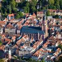 Heidelberg - Heiliggeistkirche - Nordseite - Blick vom Heiligenbergturm beim ehemaligen Stephanskloster auf die Altstadt und auf die Heiliggeistkirche (aufgenommen im August 2015, am frühen Abend)