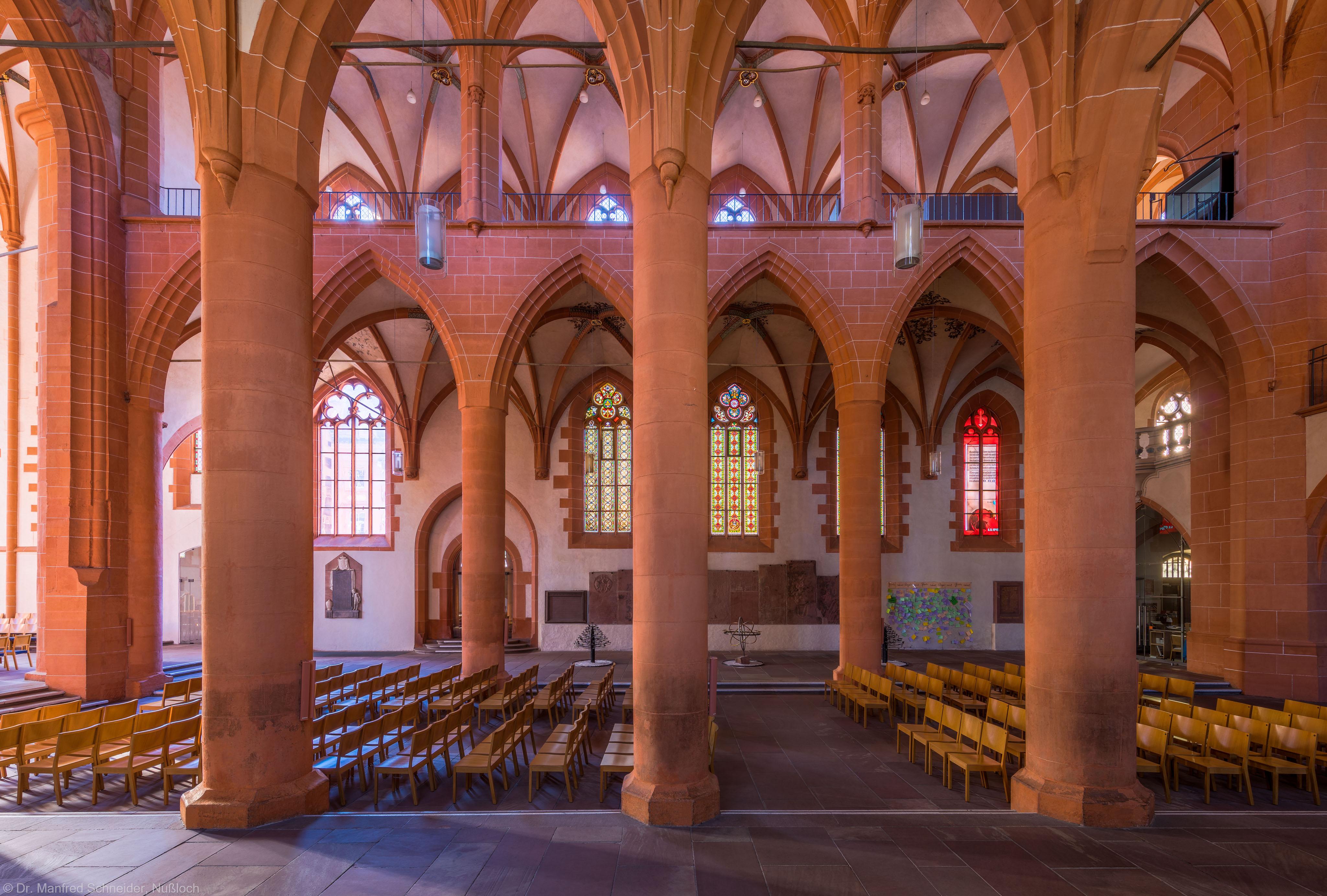 Heidelberg - Heiliggeistkirche - Südschiff - Blick vom Nordschiff durch das Mittelschiff auf das Südschiff und die Südempore (aufgenommen im September 2015, am Vormittag)