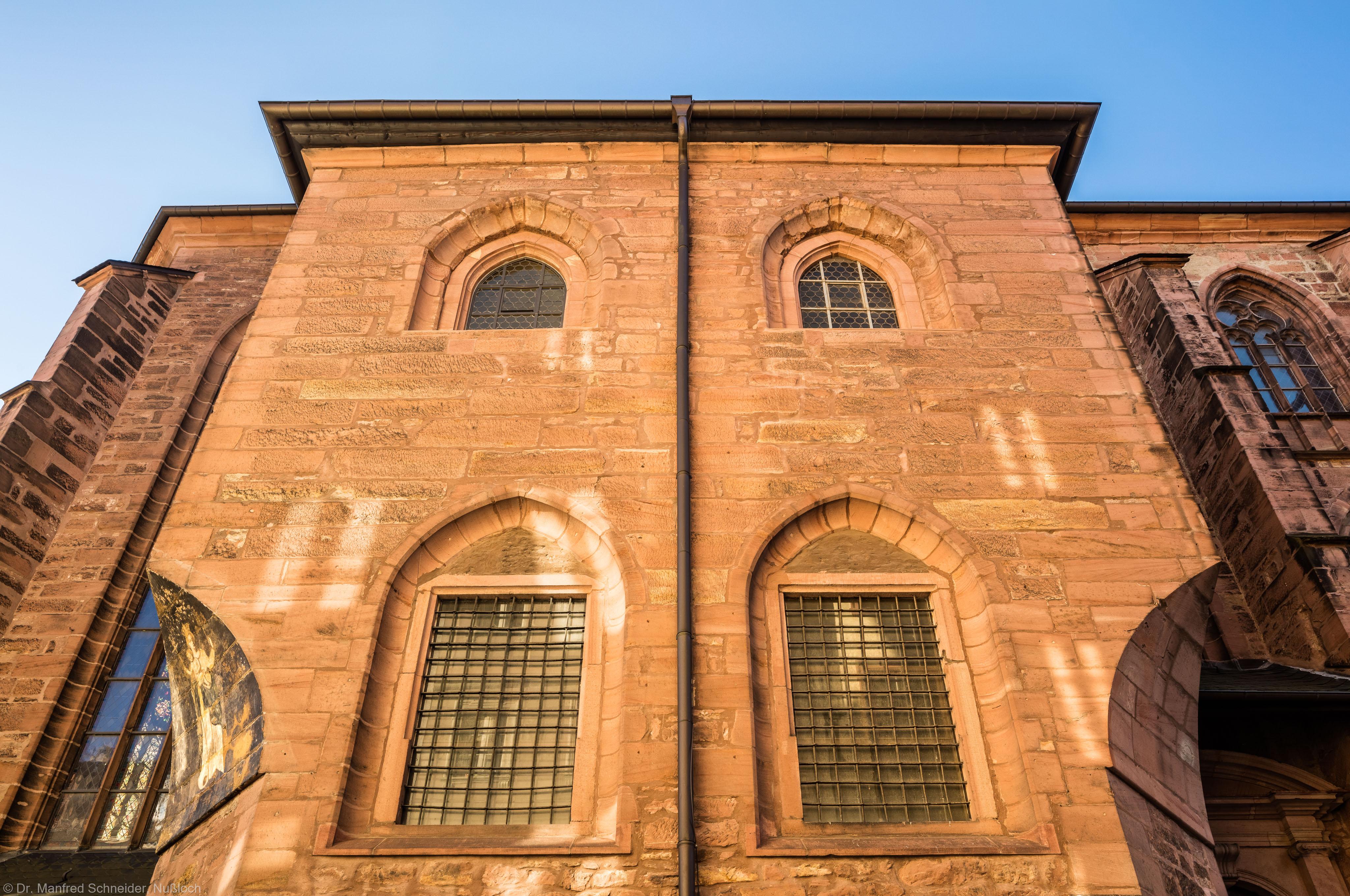 Heidelberg - Heiliggeistkirche - Nordseite - Sakristei - Blick von Norden nach oben auf die Sakristei (aufgenommen im Oktober 2015, am Vormittag)