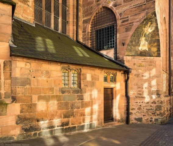 Heidelberg - Heiliggeistkirche - Nordseite - Sakristei - Blick auf den Sakristeianbau und die Sakristei (aufgenommen im Oktober 2015, am späten Vormittag)