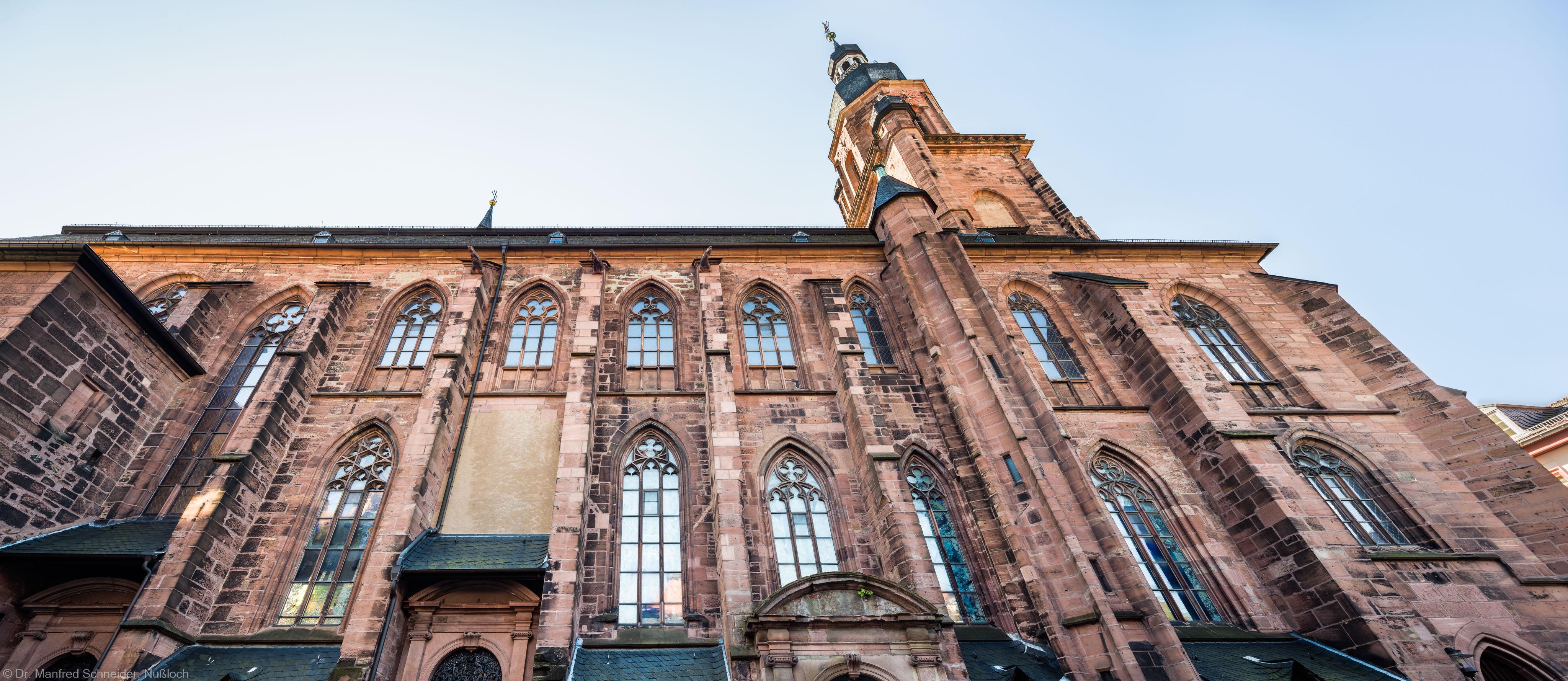 Heidelberg - Heiliggeistkirche - Aussen / Nord - Blick nach oben auf die Nordfassade (aufgenommen im Oktober 2015, um die Mittagszeit)