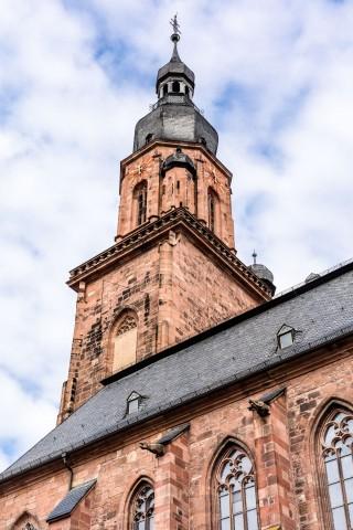 Heidelberg - Heiliggeistkirche - Südostseite - Blick nach oben auf die Südempore und den Turm (aufgenommen im Oktober 2015, um die Mittagszeit)