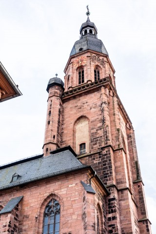Heidelberg - Heiliggeistkirche - Aussen / Nordwest - Blick nach oben auf die westliche Nordfassade und den Turm  (aufgenommen im Oktober 2015, am späten Nachmittag)