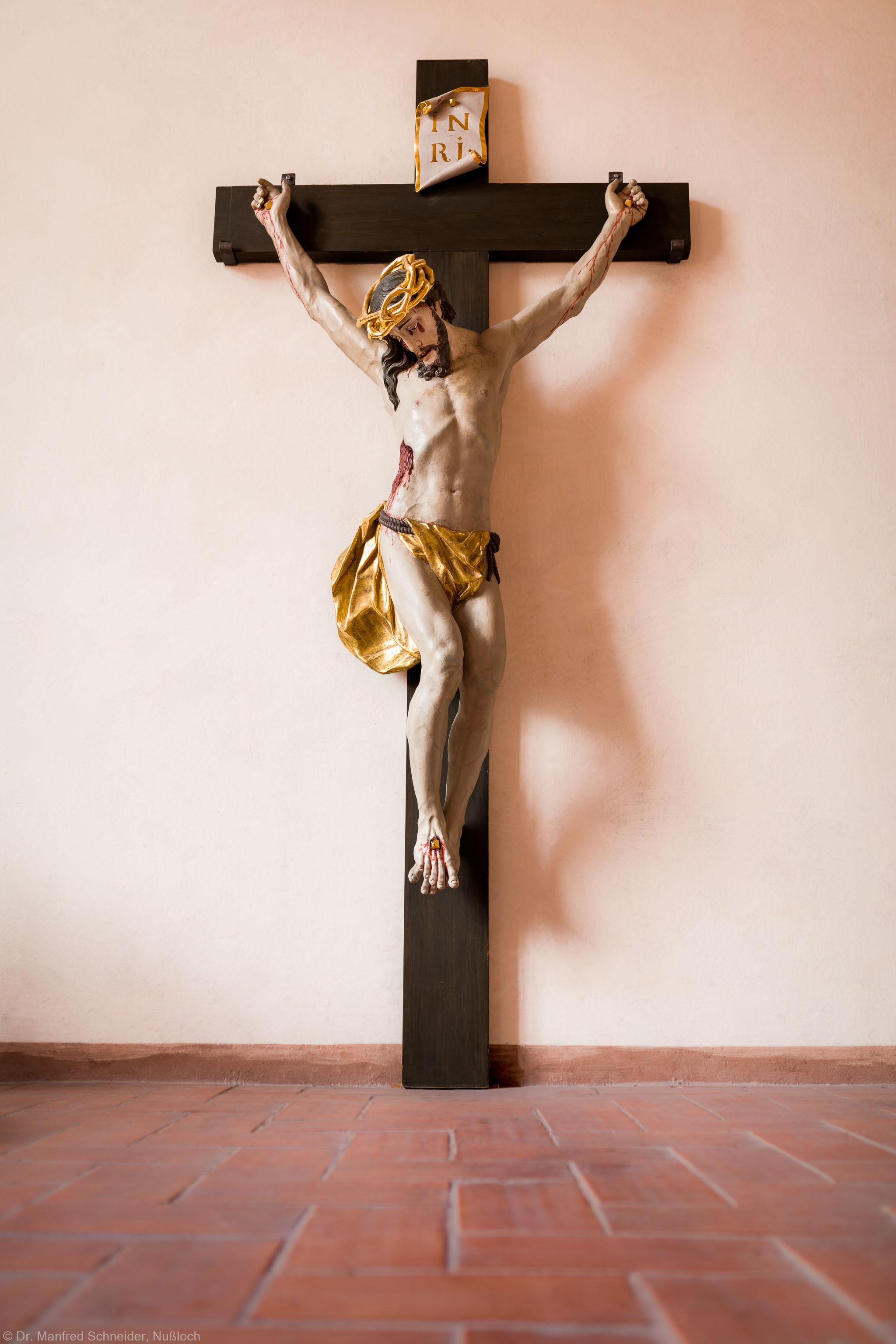 Heidelberg - Heiliggeistkirche - Nordempore - Kruzifix, an Ostwand (aufgenommen im Oktober 2015, am späten Nachmittag)