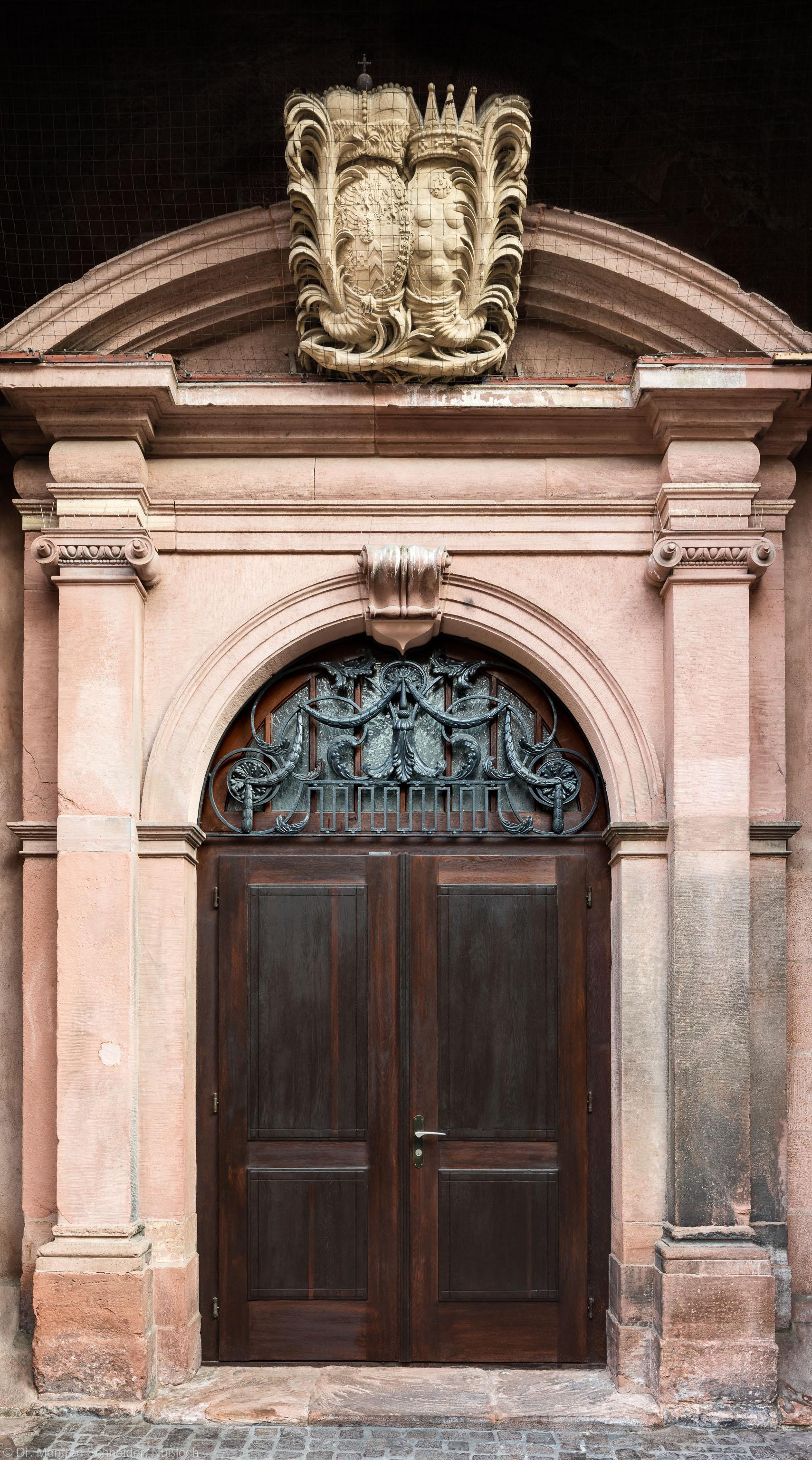 Heidelberg - Heiliggeistkirche - Südseite - Mittleres Südportal - Blick auf das gesamte Portal (aufgenommen im Oktober 2015, am Vormittag)