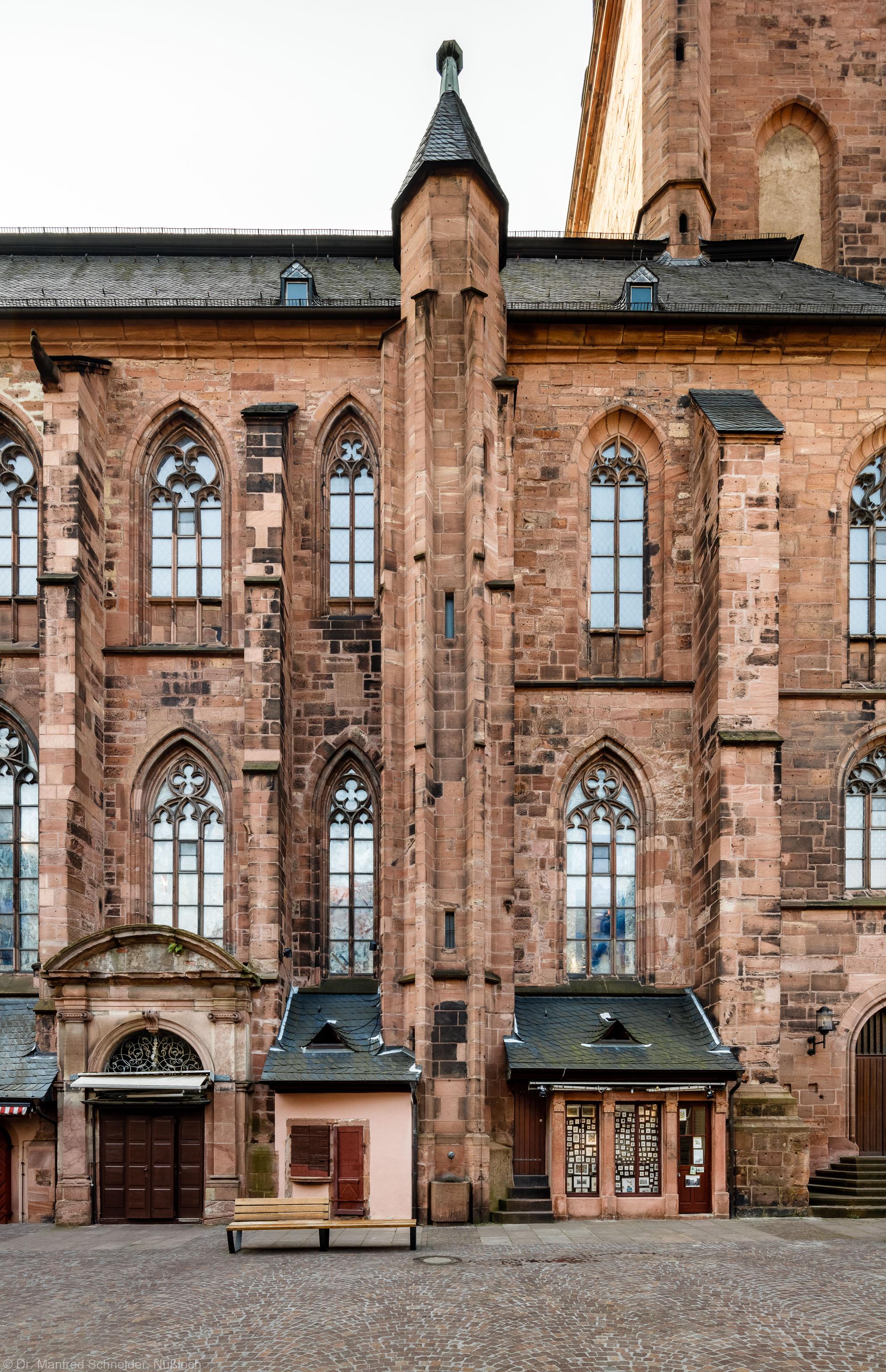 Heidelberg - Heiliggeistkirche - Aussen / Nord - Treppenturm - Blick auf den Aufgang zur Empore und zum Turm (aufgenommen im Oktober 2015, am späten Vormittag)