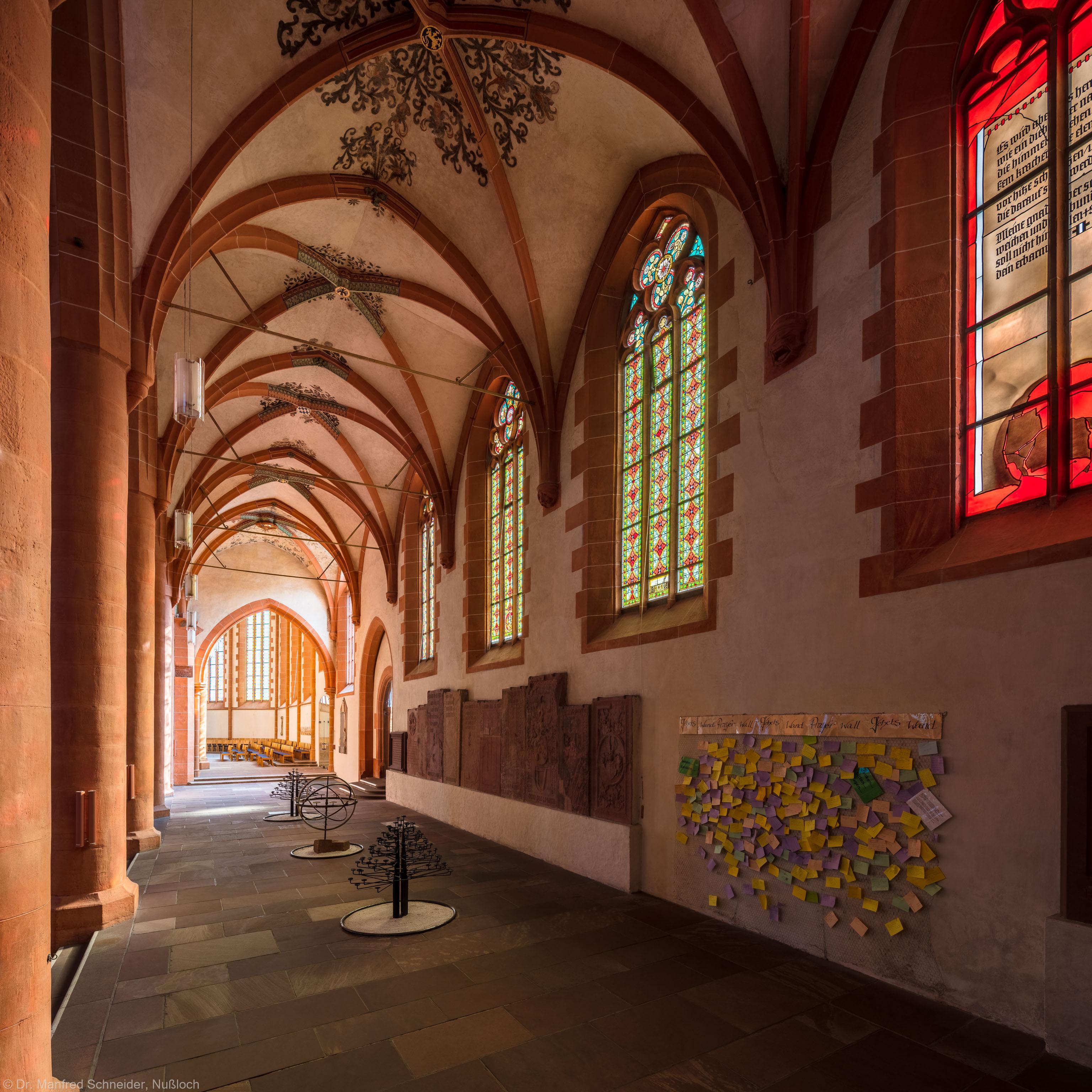 Heidelberg - Heiliggeistkirche - Südschiff - Blick von Nordwest auf das Schiff und in den Chor (aufgenommen im Oktober 2015, um die Mittagszeit)