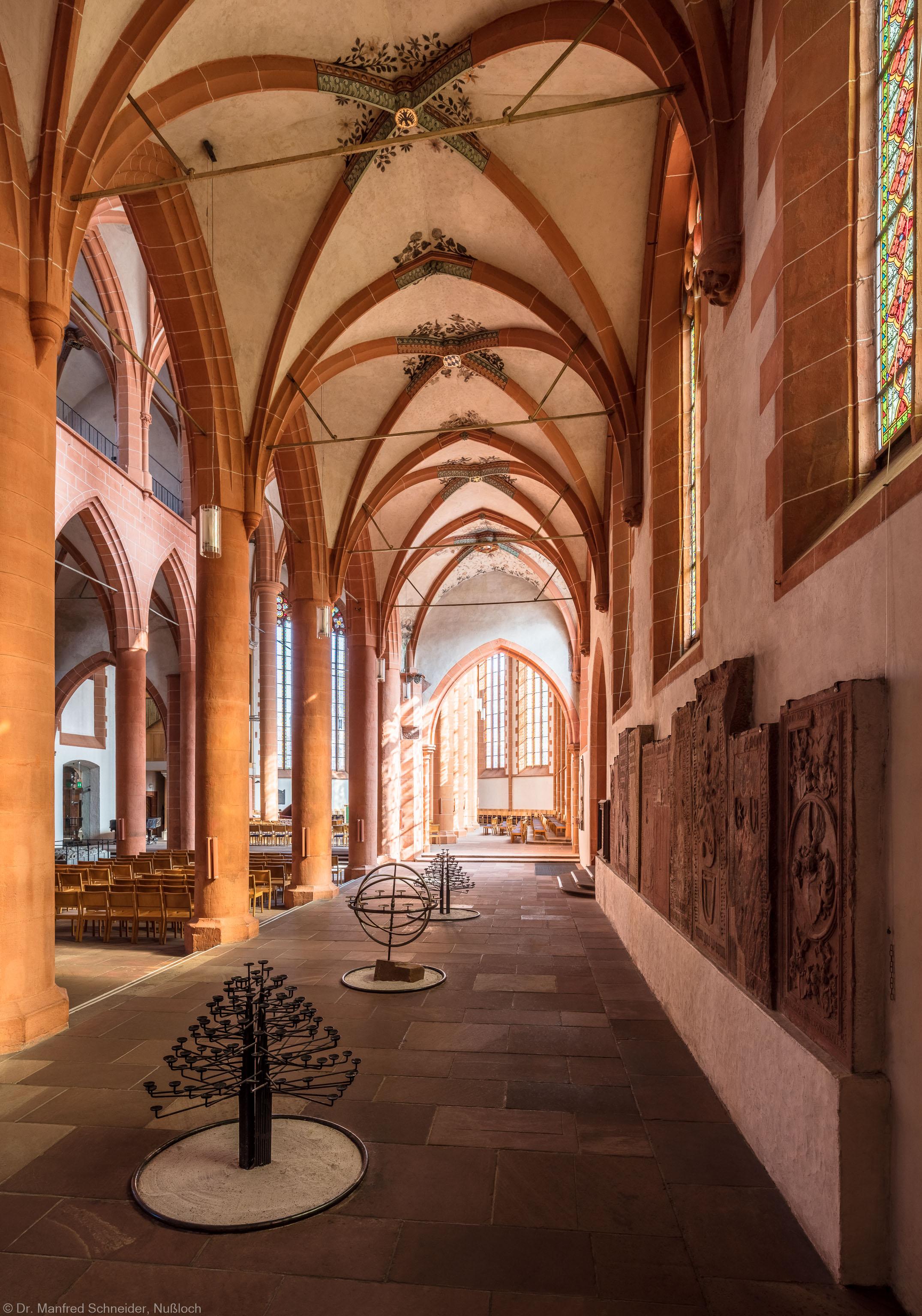 Heidelberg - Heiliggeistkirche - Südschiff - Blick von Südwest in die Schiffe, auf die Nordempore und in den Chor (aufgenommen im Oktober 2015, am frühen Nachmittag)