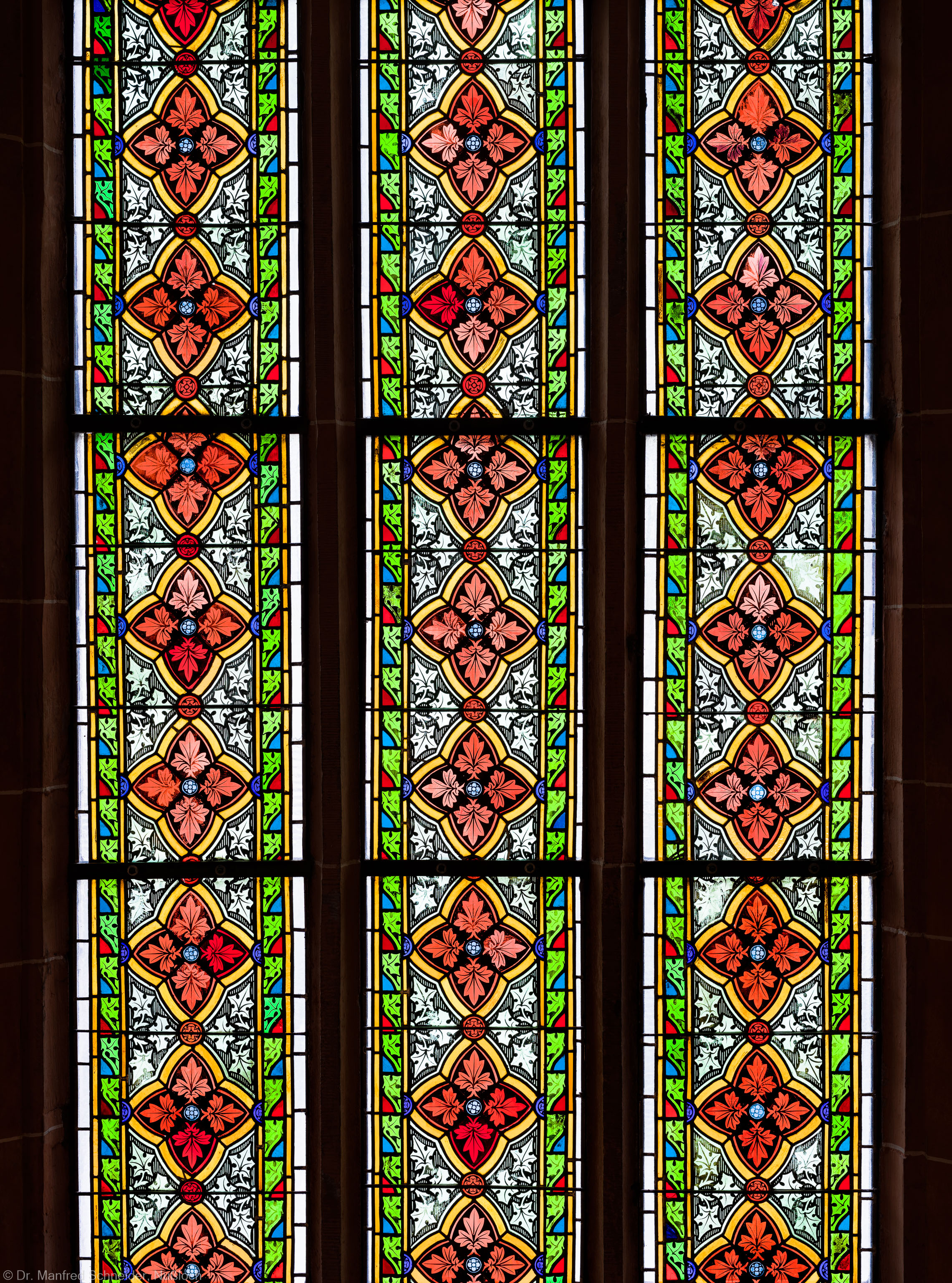 Heidelberg - Heiliggeistkirche - Südschiff - 2. Joch, von Westen aus gezählt - Ausschnitt aus dem Ornamentfenster (aufgenommen im Oktober 2015, am Nachmittag)