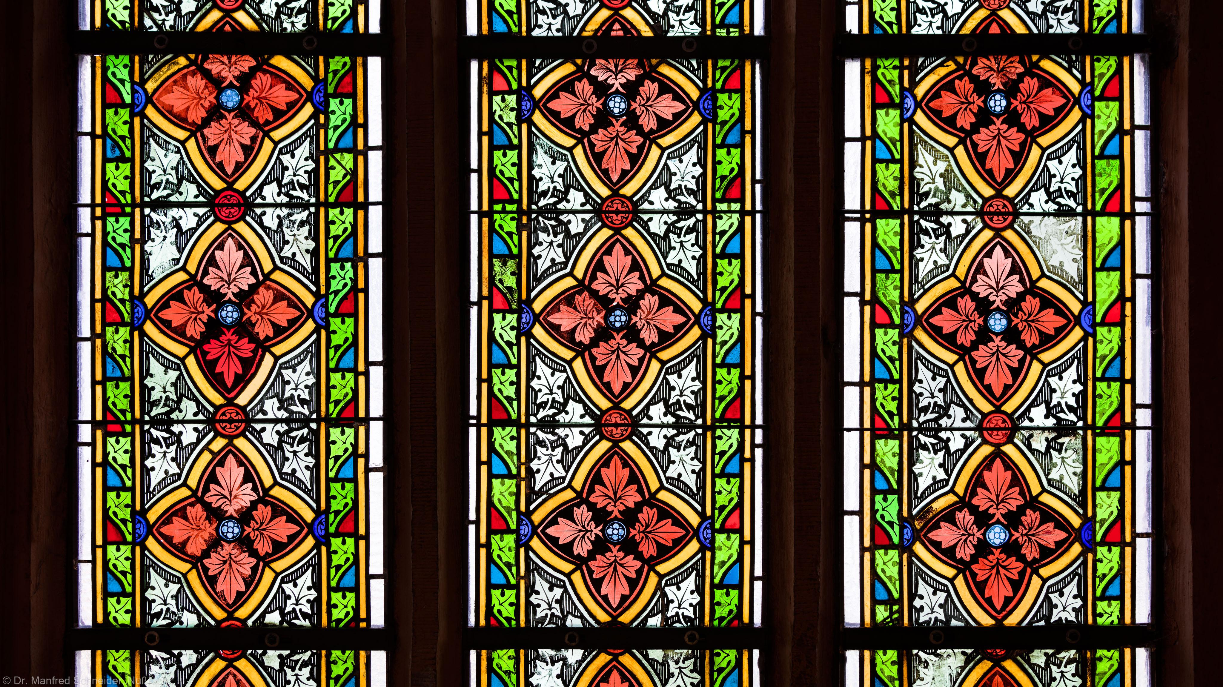 Heidelberg - Heiliggeistkirche - Südschiff - 2. Joch, von Westen aus gezählt - Felder (dritte Zeile) des Ornamentfensters (aufgenommen im Oktober 2015, am Nachmittag)