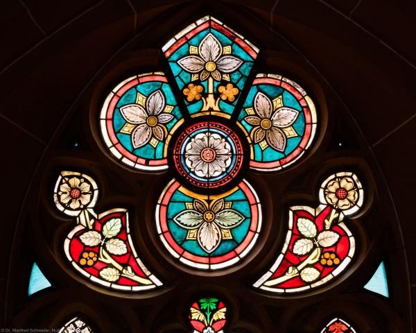 Heidelberg - Heiliggeistkirche - Südschiff - 3. Joch, von Westen aus gezählt - Ausschnitt aus dem Maßwerk des Ornamentfensters (aufgenommen im Oktober 2015, um die Mittagszeit)