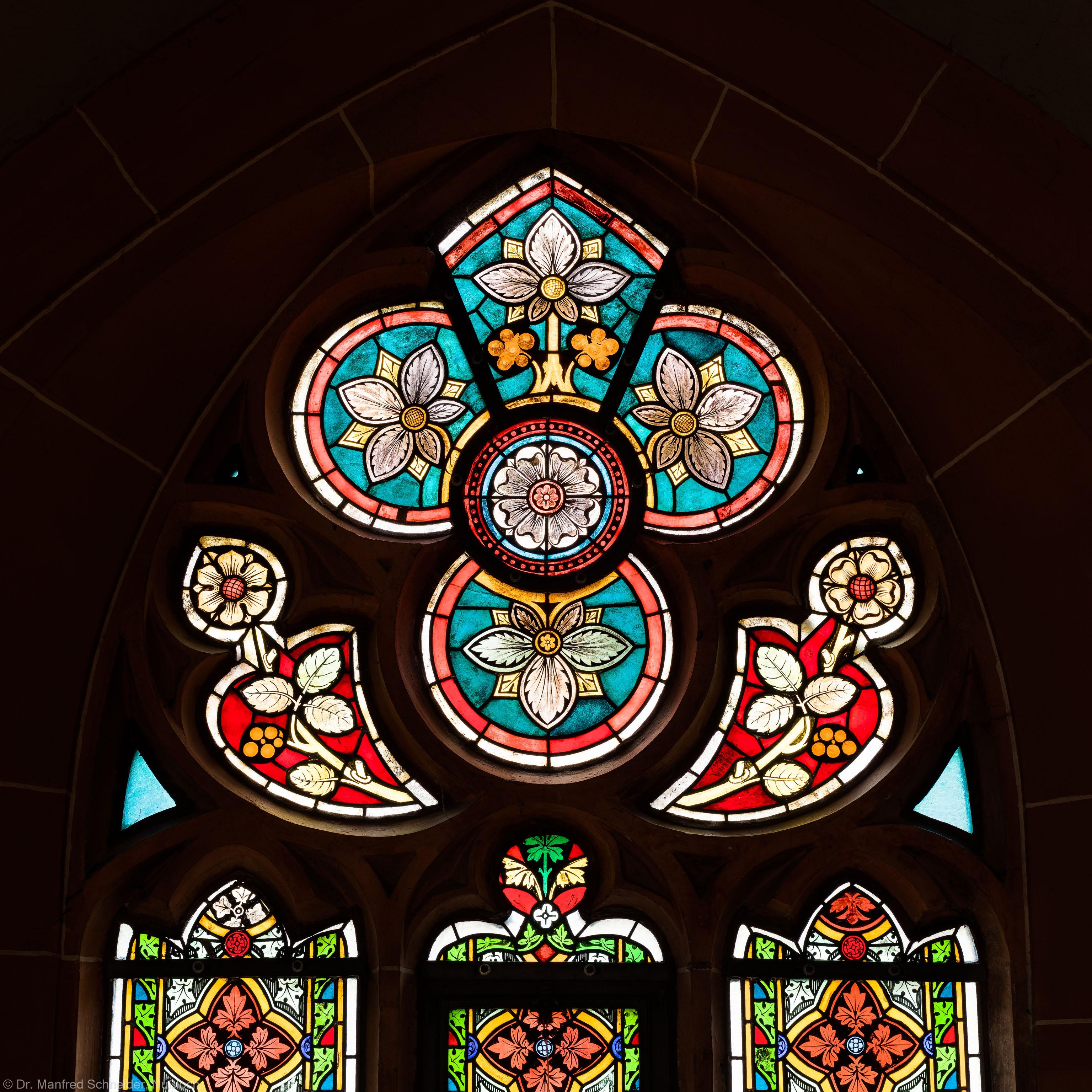 Heidelberg - Heiliggeistkirche - Südschiff - 3. Joch, von Westen aus gezählt - Maßwerk des Ornamentfensters (aufgenommen im Oktober 2015, um die Mittagszeit)
