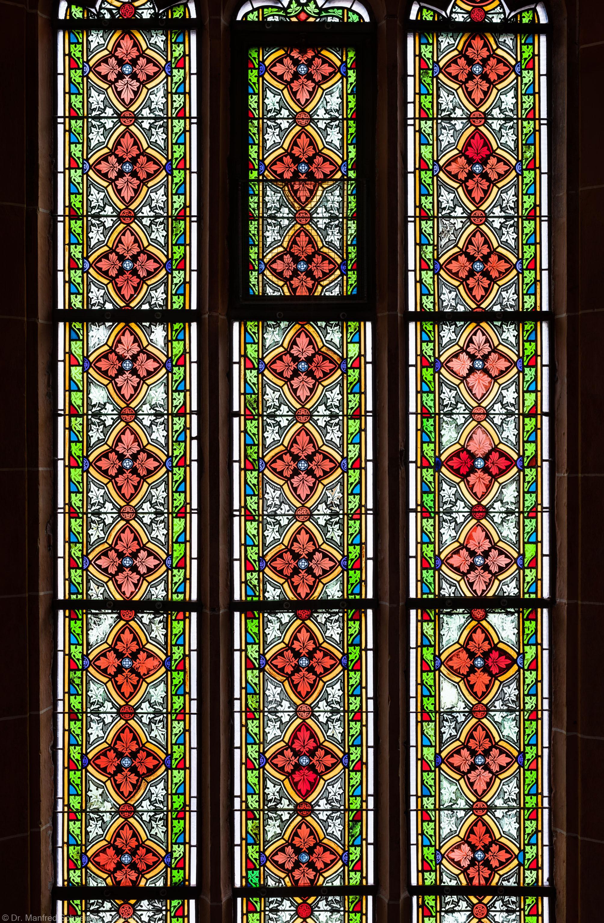 Heidelberg - Heiliggeistkirche - Südschiff - 3. Joch, von Westen aus gezählt - Ausschnitt aus dem Ornamentfenster (aufgenommen im Oktober 2015, am Nachmittag)